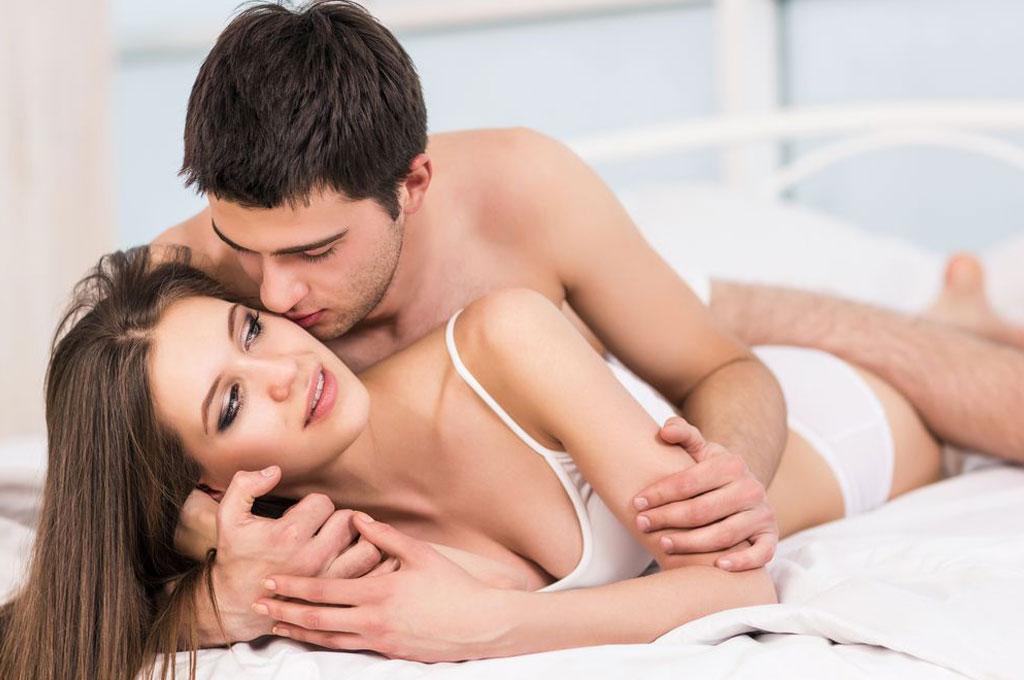 Image result for महिलाएं शब्दों को छोड़ इशारों के इस्तेमाल से लेती है सेक्स का मज़ा