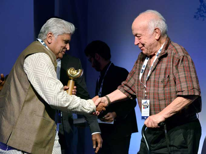 bollywood javed akhtar receives person of the year award